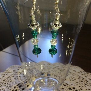 Handmade 🌿 Beaded Beautiful Dangle Earrings.